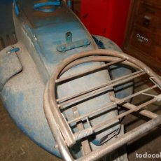 Coches y Motocicletas: PORTA PAQUETES VESPA FARO BAJO 1954. Lote 128153111