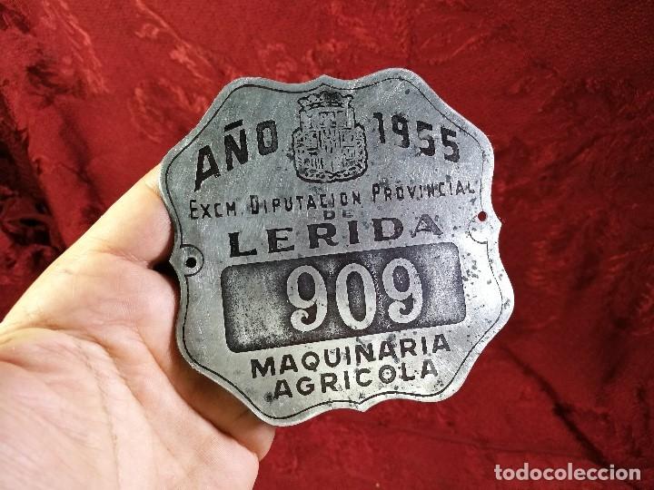 Coches y Motocicletas: PLACA MATRICULA CARRO AÑO 1955 MAQUINARIA AGRICOLA LERIDA - Foto 3 - 140983709