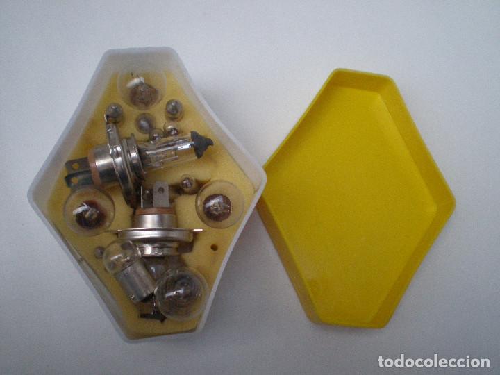 Coches y Motocicletas: RENAULT MAZDA ANTIGUA CAJA DE BOMBILLAS Y FUSIBLES // CONTIENE BOMBILLAS Y FUSIBLES - Foto 6 - 136062802
