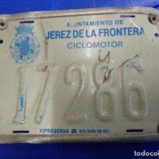 Coches y Motocicletas: PLACA DE MATRICULA DE CICLOMOTOR DE JEREZ DE LA FRONTERA. Lote 136804534