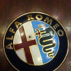 Coches y Motocicletas - Emblema Logo Alfa Romeo. Coche Vehículo. - 139654954