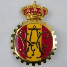 Coches y Motocicletas: INSIGNIA O PLACA PARA EL COCHE, CLUB - RAC (REAL AUTOMOVIL CLUB DE ESPAÑA), MIDE 8,5 CMS.. Lote 155215281