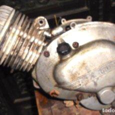 Coches y Motocicletas: MOTOR PARA GUZZI DE 49 CM. CAMBIO MANUAL PALANCA EN EL BIDÓN. Lote 143605102