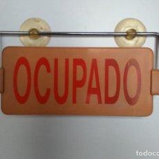 Coches y Motocicletas: VINTAGE. FANTÁSTICO LETRERO, CARTEL DE TAXI, LIBRE/OCUPADO. INDUSTRIAS SALUDES, VALENCIA. . Lote 143990270