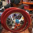 Coches y Motocicletas: BICICLETA CUBIERTAS ROJAS NUEVAS 20X2.1. 25 PARA BMX BH Y OTRAS PRECIO LA PAREJA. Lote 159004220
