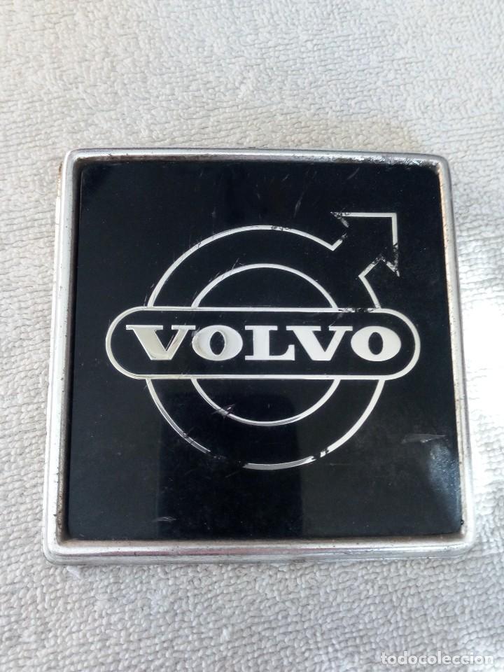 EMBLEM DE VOLVO 240 -75 (Coches y Motocicletas - Repuestos y Piezas (antiguos y clásicos))