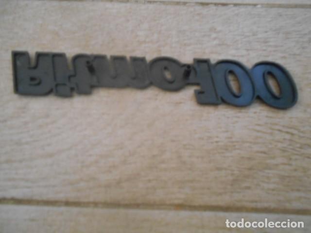 Coches y Motocicletas: INSIGNIA EMBLEMA PLÁSTICO RITMO 100 . - Foto 2 - 194237553