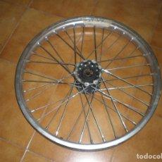 Coches y Motocicletas: LLANTA DELANTERA DE YAMAHA XT-350 DEL AÑO 87-88. Lote 149959314