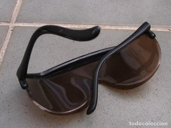 Coches y Motocicletas: gafas de moto leonelli concesion barufaldi, plastico, años 60 aprox - Foto 4 - 150952862