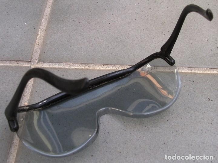 Coches y Motocicletas: gafas de moto leonelli concesion barufaldi, plastico, años 60 aprox - Foto 3 - 150953086
