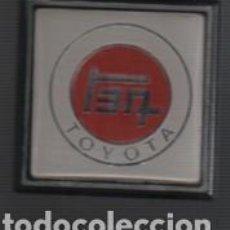 Coches y Motocicletas: CHAPA O PLACA DEL COCHE TOYOTA - ADHESIVA . Lote 158131278