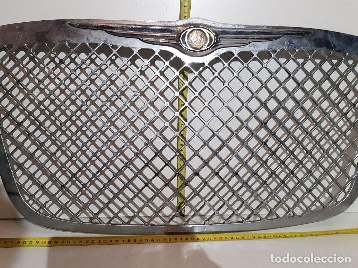 ANTIGUA PARRILLA COCHE CRYSLER (Coches y Motocicletas - Repuestos y Piezas (antiguos y clásicos))