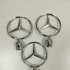 Coches y Motocicletas: 3 EMBLEMAS LOGOS ESTRELLAS INSIGNIAS CAPO MERCEDES NUEVAS. Lote 205825163