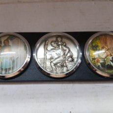 Coches y Motocicletas: PORTARETRATOS CLÁSICO DE COCHE CON IMAGEN CENTRAL. Lote 171245968