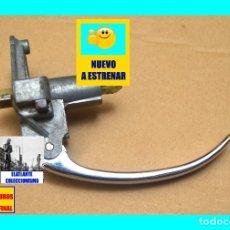 Coches y Motocicletas: RENAULT DAUPHINE / ONDINE / GORDINI - MANETA MANECILLA EXTERIOR CROMADA Y CON SEGURO - A ESTRENAR. Lote 172632499