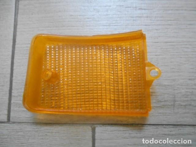 Coches y Motocicletas: PLÁSTICO DELANTERO IZQUIERDO SEAT 124 - Foto 2 - 175366264