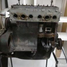 Coches y Motocicletas: ANTIGUO MOTOR DE AUTOESCUELA .DAUPHINE 670-1.UTILIZADO PARA CLASES DE MECANICA.. Lote 175523577