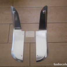 Coches y Motocicletas: FALDILLAS TRASERAS METÁLICAS CROMADAS SEAT 133. Lote 204788607