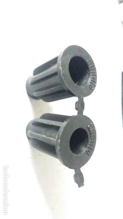 Coches y Motocicletas: 2 manillas internas y otras piezas seat 600 - Foto 10 - 180119160