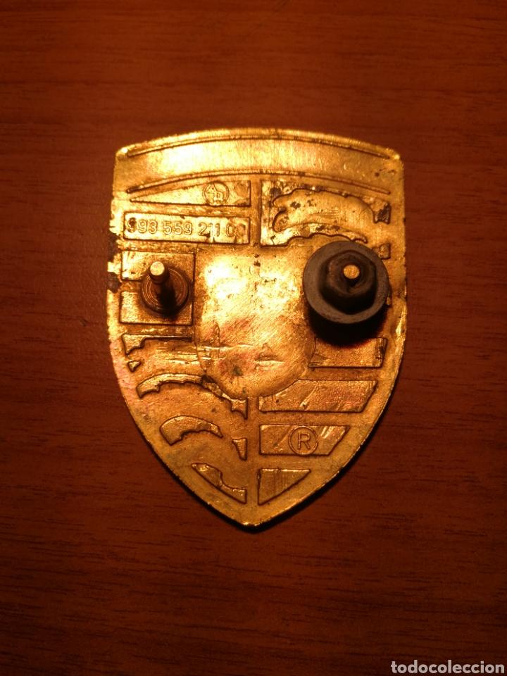 Coches y Motocicletas: Logotipo chapa de porsche antigua - Foto 2 - 183813608