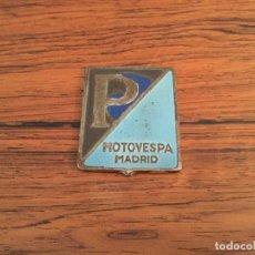 Coches y Motocicletas: MOTO VESPA PIAGGIO MADRID VESPA ANAGRAMA INSIGNIA METALICO . Lote 183998101
