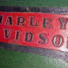 Coches y Motocicletas: PIEZA DE CUERO: HARLEY DAVIDSON. Lote 184719248
