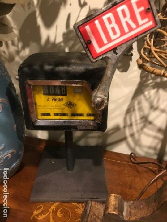 Coches y Motocicletas: Antiguo Taxímetro Amma con pedestal. Original de 1969. Para exponer - Foto 8 - 194574596