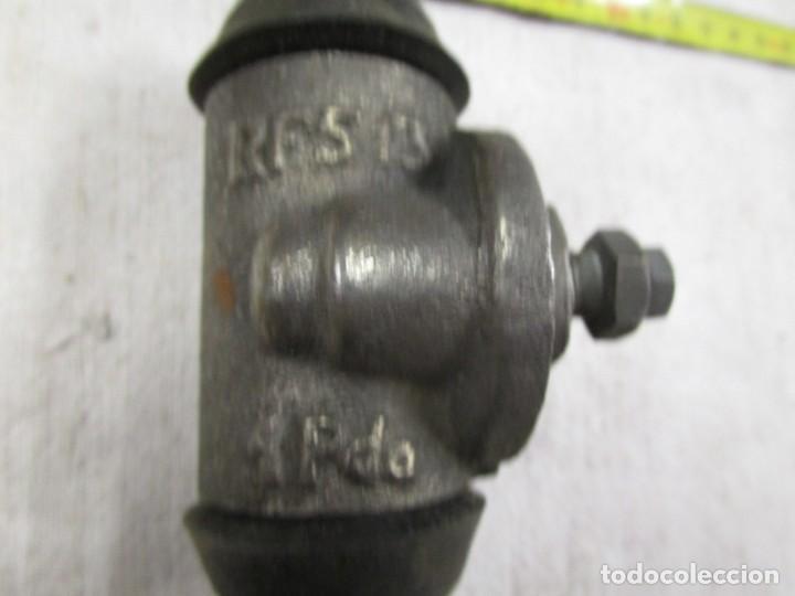 Coches y Motocicletas: RARO CILINDRO DE RUEDA INDER ,FRENO HIDRAULICO REFERENCIA 513 DE FORD?? + INFO - Foto 2 - 198952703