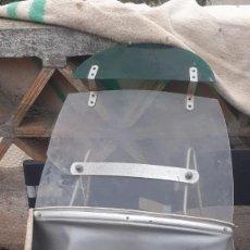 Coches y Motocicletas: PARABRISAS DE VESPA DE MANILLAR DE TUBO . Lote 200850571
