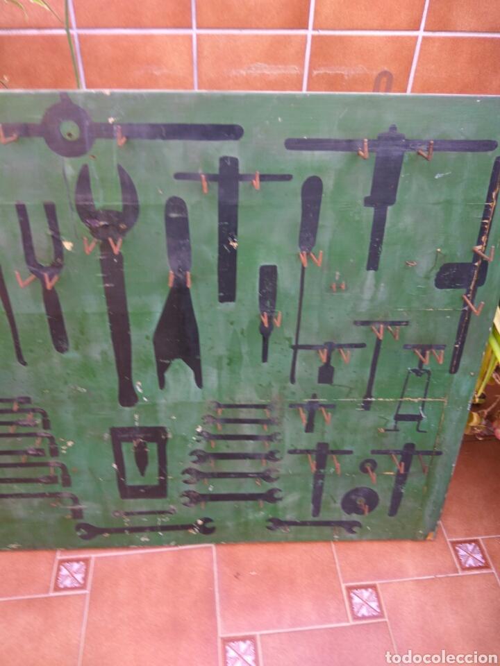 Coches y Motocicletas: MOTO COCHE TALLER TABLERO HERRAMIENTAS ARTESANAL AÑOS 50 - Foto 2 - 204392228
