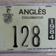 Coches y Motocicletas: CHAPA MATRÍCULA CICLOMOTOR ANGLÉS AÑO 1984. Lote 205062471