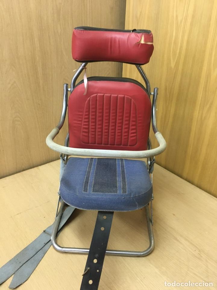 Coches y Motocicletas: Sillita silla bebes niños de coche clasico años 60/70 - Foto 2 - 207698780