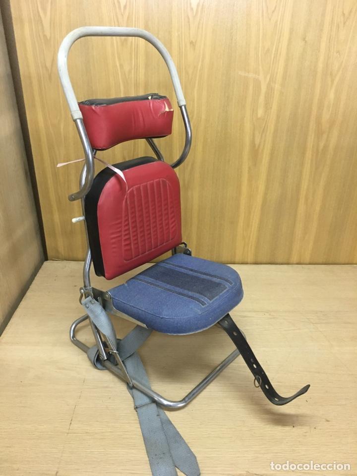 Coches y Motocicletas: Sillita silla bebes niños de coche clasico años 60/70 - Foto 3 - 207698780