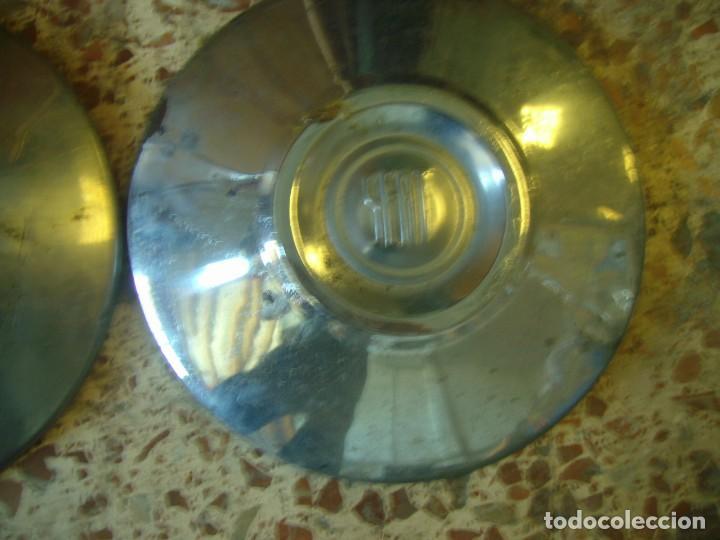 Coches y Motocicletas: lote 3 tapacubos SEAT 1500 - Foto 3 - 209672053