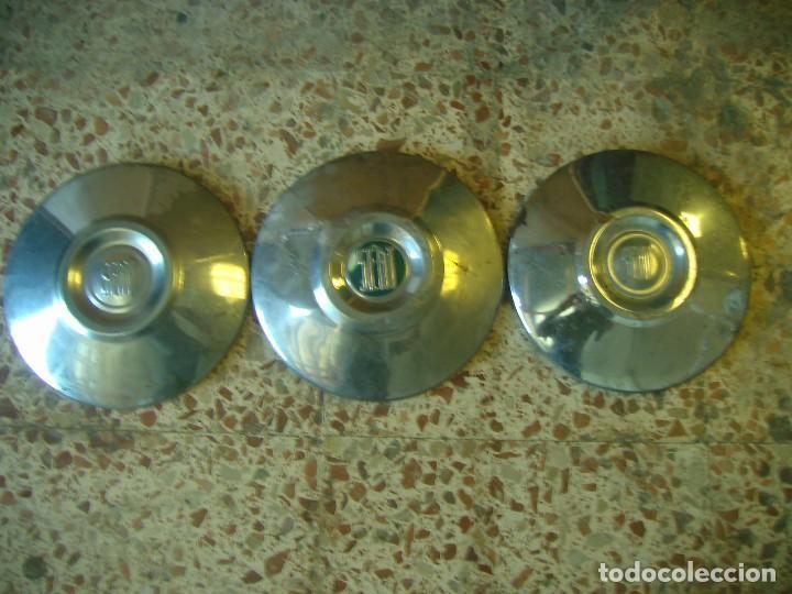 Coches y Motocicletas: lote 3 tapacubos SEAT 1500 - Foto 4 - 209672053