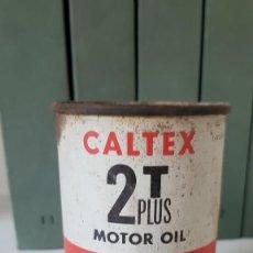 Coches y Motocicletas: ANTIGUA LATA DE ACEITE CALTEX 2T. Lote 213617677