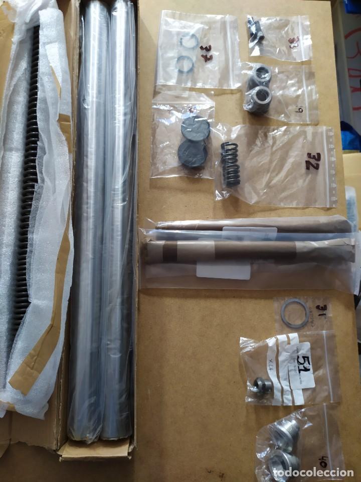 Coches y Motocicletas: Horquilla telescópica en piezas Triumph T140 - Foto 3 - 217929455