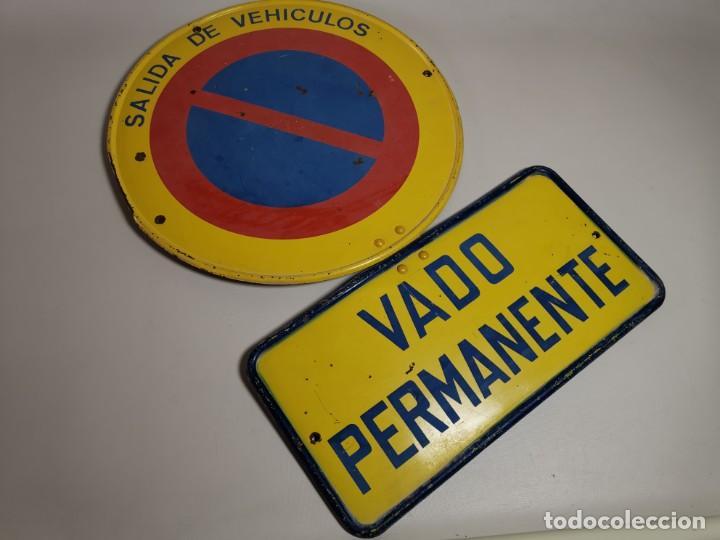 Coches y Motocicletas: SEÑAL PLACA TRAFICO -SALIDA VEHICULOS Y VADO PERMANENTE FABRICADA POR TUBAUTO 1960-67 - Foto 6 - 224283895