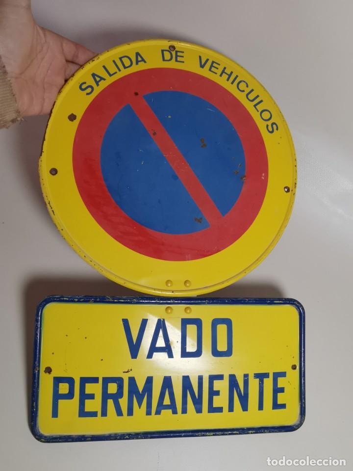 Coches y Motocicletas: SEÑAL PLACA TRAFICO -SALIDA VEHICULOS Y VADO PERMANENTE FABRICADA POR TUBAUTO 1960-67 - Foto 16 - 224283895