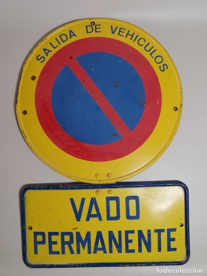 Coches y Motocicletas: SEÑAL PLACA TRAFICO -SALIDA VEHICULOS Y VADO PERMANENTE FABRICADA POR TUBAUTO 1960-67 - Foto 18 - 224283895