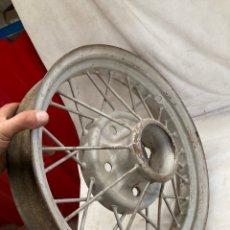 Coches y Motocicletas: ANTIGUA LLANTA DE COCHE FORD T DE 1930!. Lote 228047868
