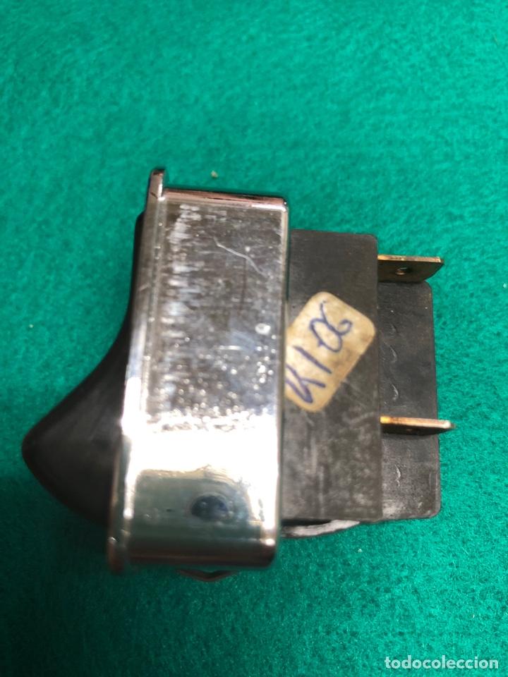 Coches y Motocicletas: INTERRUPTOR PULSADOR LIMPIAPARABRISAS MAI 4106 ( CAMIONES) 2 conectores - Foto 2 - 234919455