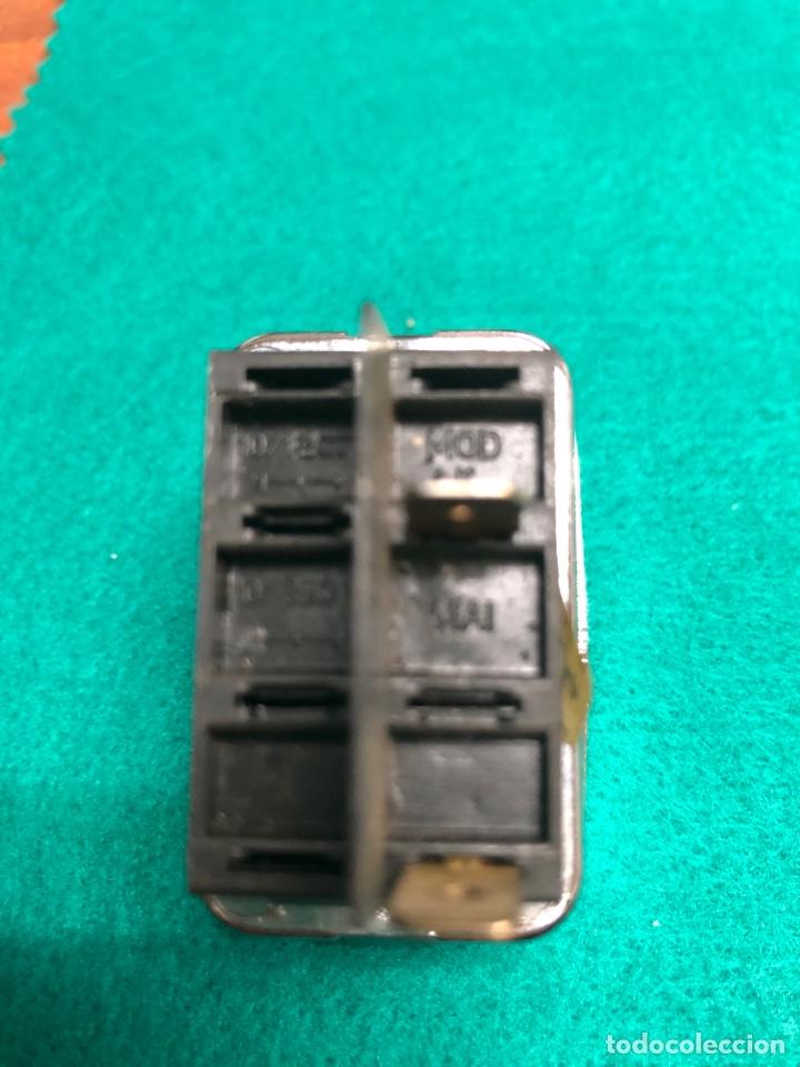 Coches y Motocicletas: INTERRUPTOR PULSADOR LIMPIAPARABRISAS MAI 4106 ( CAMIONES) 2 conectores - Foto 3 - 234919455