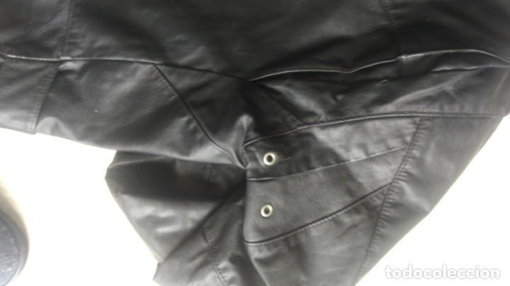 Coches y Motocicletas: Cazadora de cuero antigua tipo motorista chaqueta piel rockero - Foto 4 - 241668315