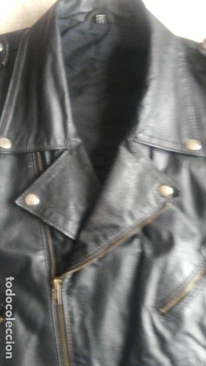Coches y Motocicletas: Cazadora de cuero antigua tipo motorista chaqueta piel rockero - Foto 9 - 241668315