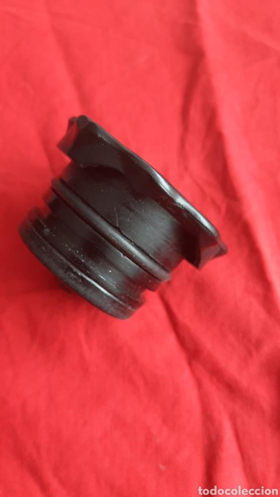 Coches y Motocicletas: antiguo tapon montesa - Foto 3 - 246243030