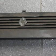 Coches y Motocicletas: REJILLA FRONTAL RENAULT SUPER 5 1984 REF.7701367459. Lote 246520920