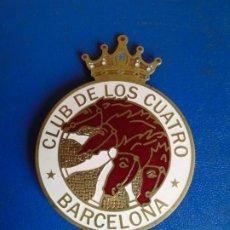Coches y Motocicletas: (PUB-210423)INSIGNIA CLUB DE LOS CUATRO BARCELONA 4 CV RENAULT. Lote 258962235