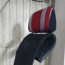 Coches y Motocicletas: REPOSACABEZAS COCHE CLÁSICO. Lote 259849400