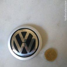 Coches y Motocicletas: ANAGRAMA METÁLICO DE VW DE VOLANTE. Lote 259951425